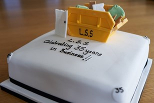 LSS WASTE MARKS 35th ANNIVERSARY WITH RUBBISH CAKE!